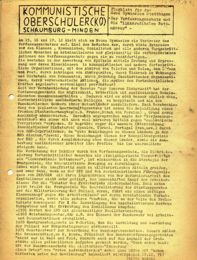 """Flugblatt der Kommunistischen Oberschüler Schaumburg/Minden (KOS/M) für das Neue Gymnasium Stadthagen: """"Der Verfassungsschutz und die 'linksradikalen Bettnässer'"""", Seite 1 (Dezember 1972)"""