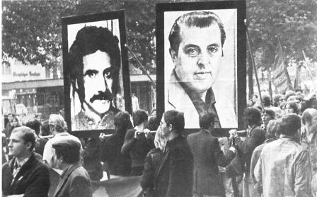 Juli 1974: Demonstration in Köln mit Bildnissen von Neset Danis und Günter Routhier