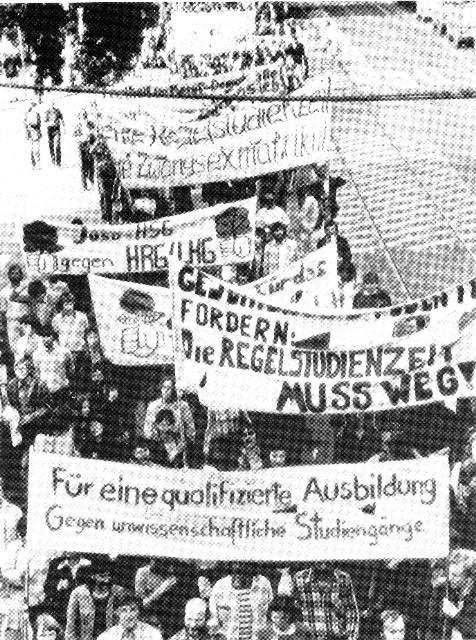Bild: Schueler_ und Studentendemonstration 1977 in Hamburg