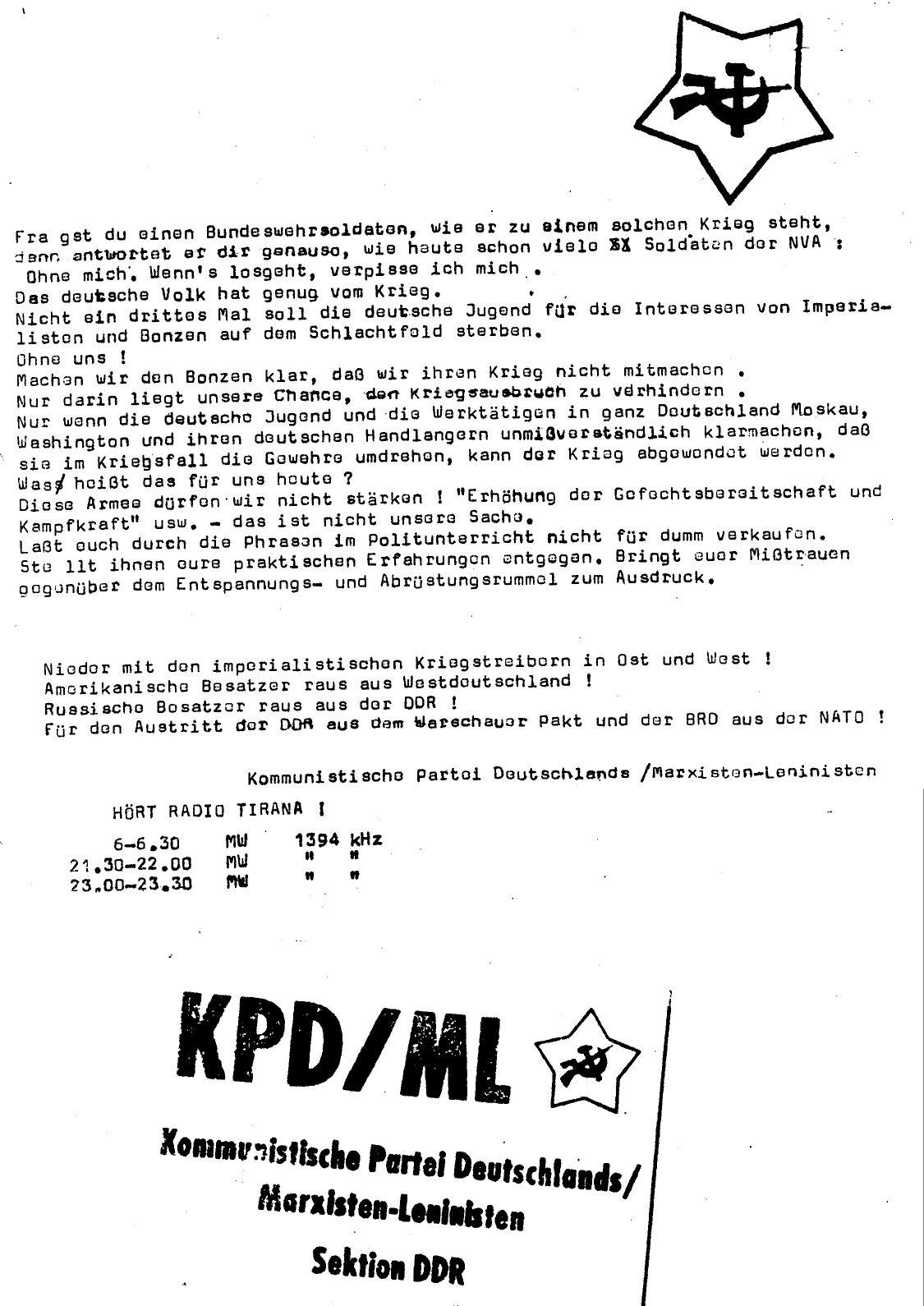 DDR_KPDML_FB_Soldat_hoer_zu_19780000_04
